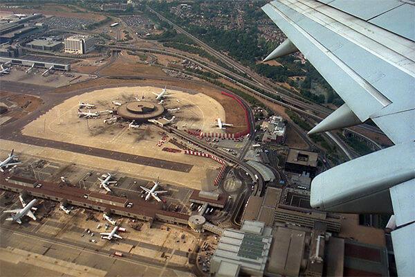 Aeroportul Gatwick din Marea Britanie, unul dintre cele mai mari aeroporturi din Europa